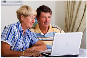 couple-at-computer